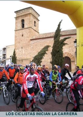 Los ciclistas inician la carrera