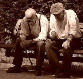 Pensionistas en blanco y negro
