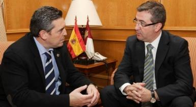 Marcial Marín con el presidente de la Federación de Municipios y Provincias