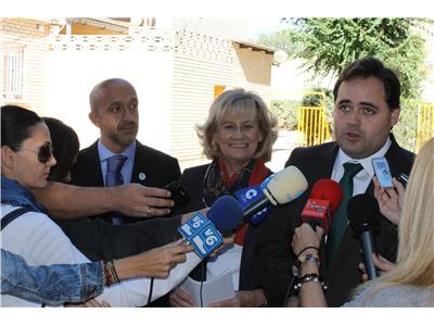 Paco Nuñez, alcaldesa,...