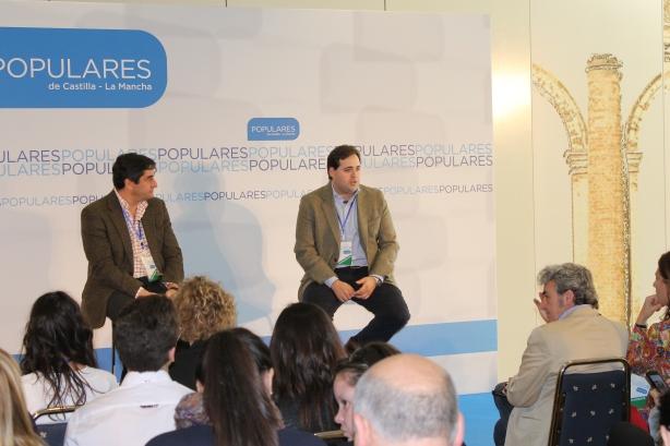 Paco Núñez ha participado en la mesa de Sanidad  pública, universal y gratuita, con servicios sociales garantizados,