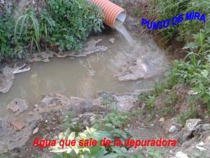Agua que sale de la depuradora